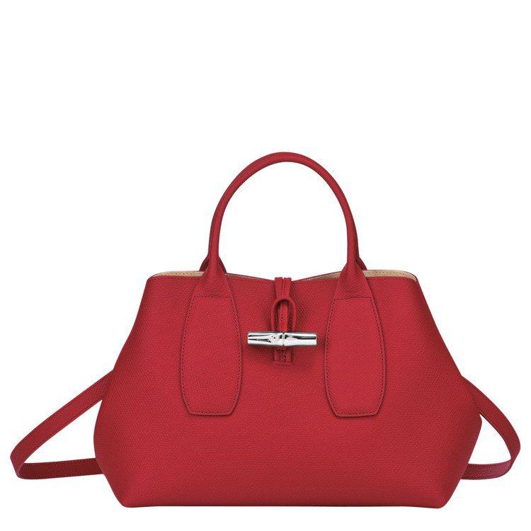 Roseau紅色M手提包,17,400元。圖/LONGCHAMP提供