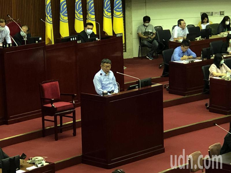 台北市長柯文哲認為,行政院長蘇貞昌應該要為中天換照案出面回應。記者鍾維軒/攝影