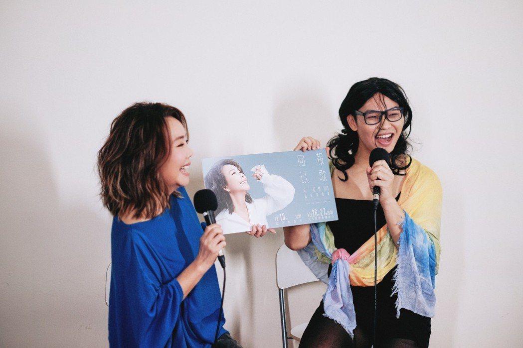 辛曉琪(左)作客那那大師頻道宣傳,首首經典勾起回憶殺。圖/三元素娛樂、小鋼砲娛樂...