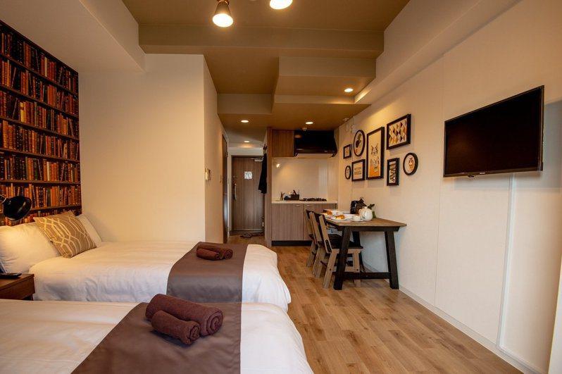 「桔梗民宿」提供每房8至10坪、附帶廚房的空間,創造差異化行銷。圖╱鄭建男提供