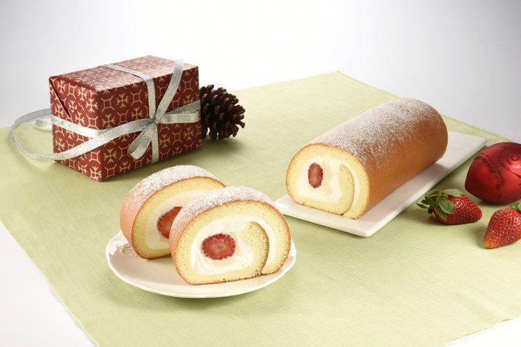 鮮採草莓生乳捲,每條485元。圖/亞尼克提供