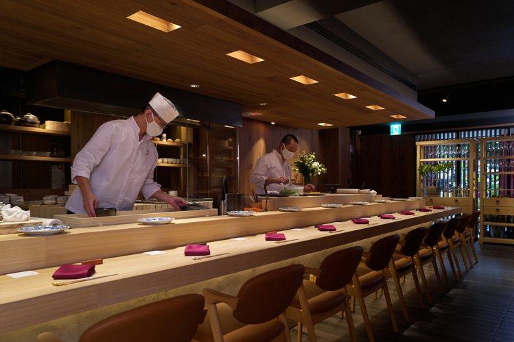 「渡邉」採熟客預約制,每人套餐6,000元。圖/喜鵲娛樂提供
