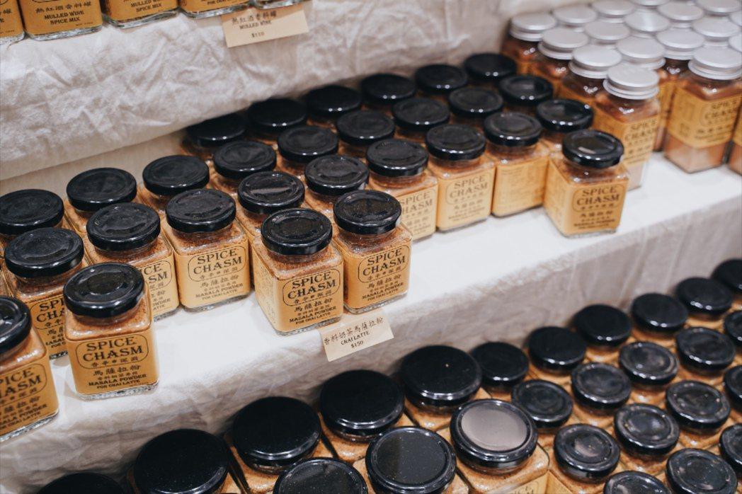 香辛深淵專門販售來自世界各地罕見及奇特的香辛料。 圖/沈佩臻攝影