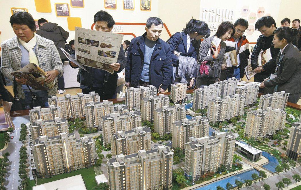 房價漲不停,北市房屋均價近5千萬,首購族大喊吃不消。(圖/聯合資料庫) UCD匯...
