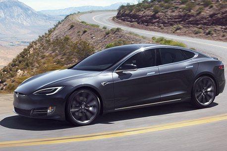 說了是輔助系統還敢睡!加拿大Tesla駕駛遭起訴