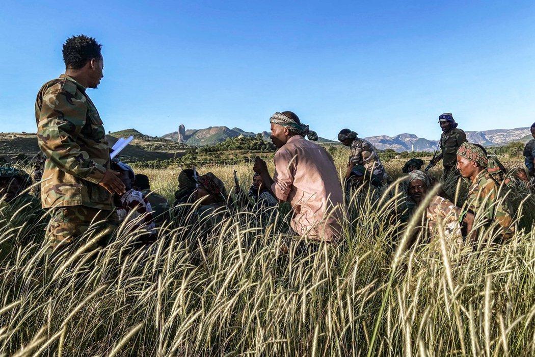 目前衣索比亞聯邦軍已對提州首府默克萊的密集空襲,根據報導,已接連造成成群大學生在...
