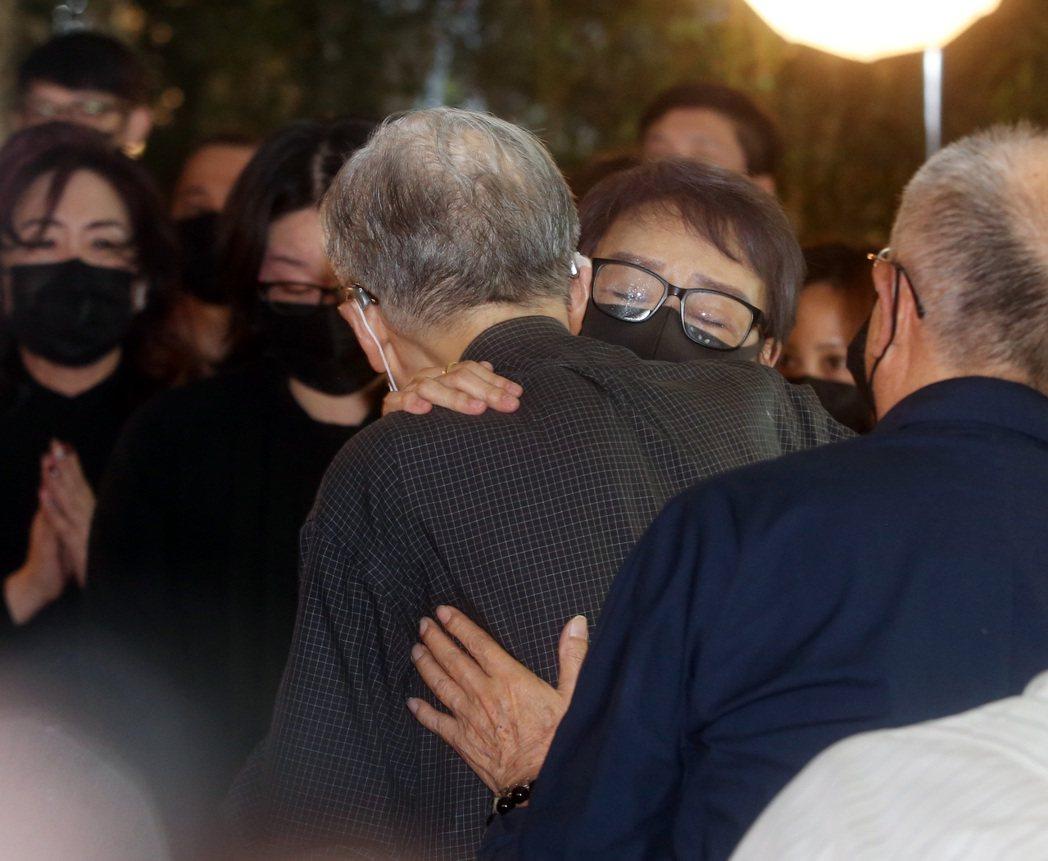 金馬獎最佳導演、「琉璃工房」創辦人張毅病逝,享壽69歲,上午舉辦「永遠沒有來不及...