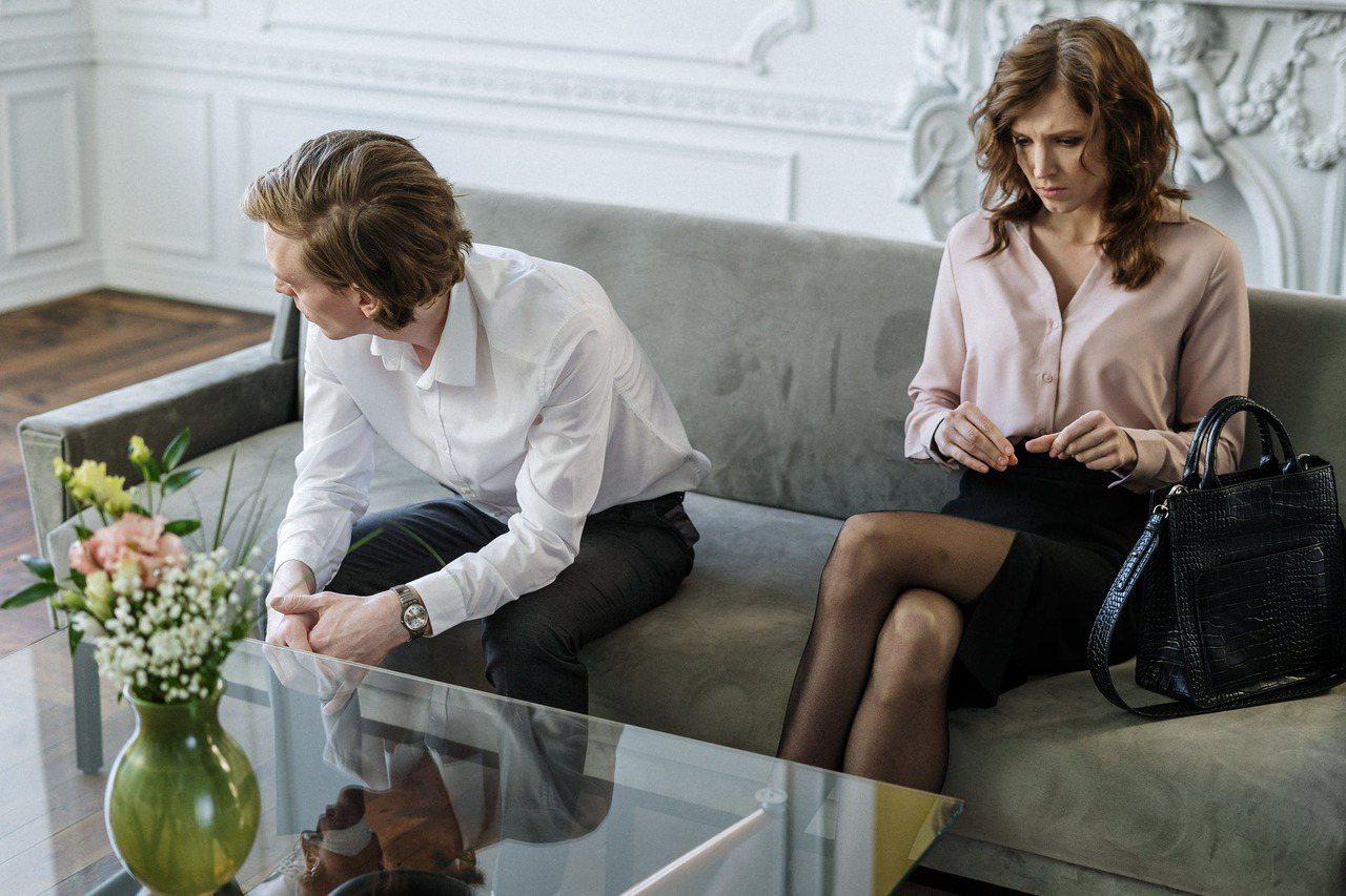 這30年來熟年離婚的件數已增加到近2倍之多。至於同居期間30年以上的離婚件數,則...