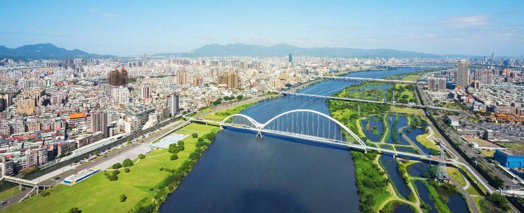 「新濠一川」徹底收納景觀、大幅升級空間的自由度。圖/業者提供