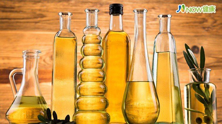 ▲營養師提醒,油脂攝取太少,除了讓肌膚乾燥,還會影響神經傳導,導致情緒起伏不定,...