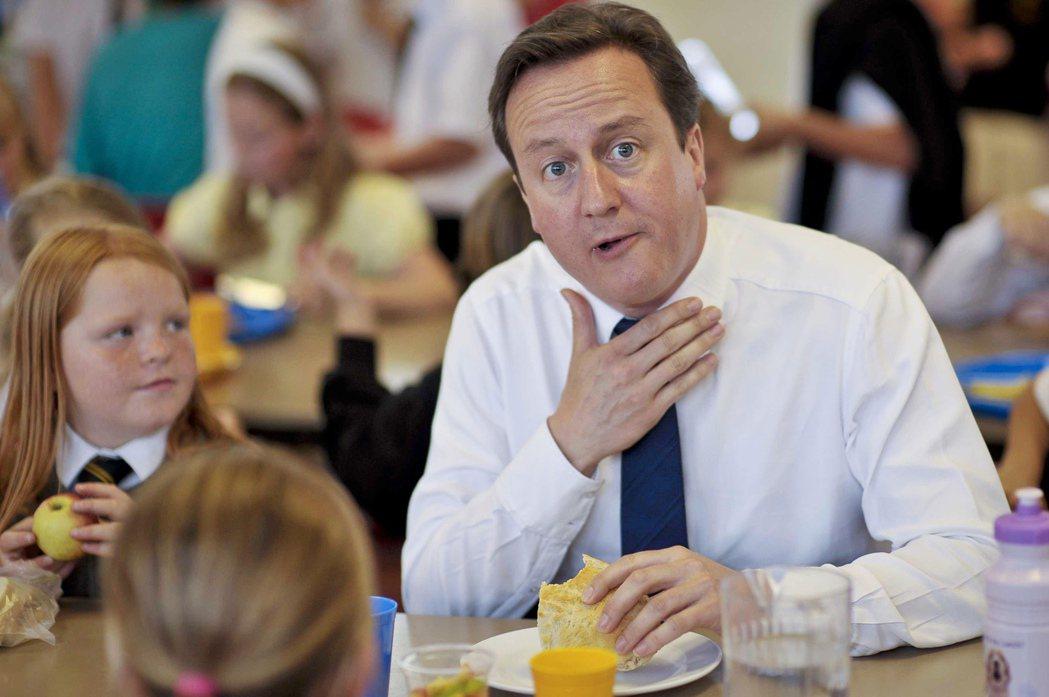 到2010年聯合政府上台,與保守黨首相卡麥隆(David Cameron)共組聯...