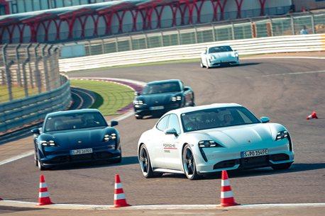 油、電Turbo S雙雄加入!保時捷World Roadshow駕訓營今年更精彩
