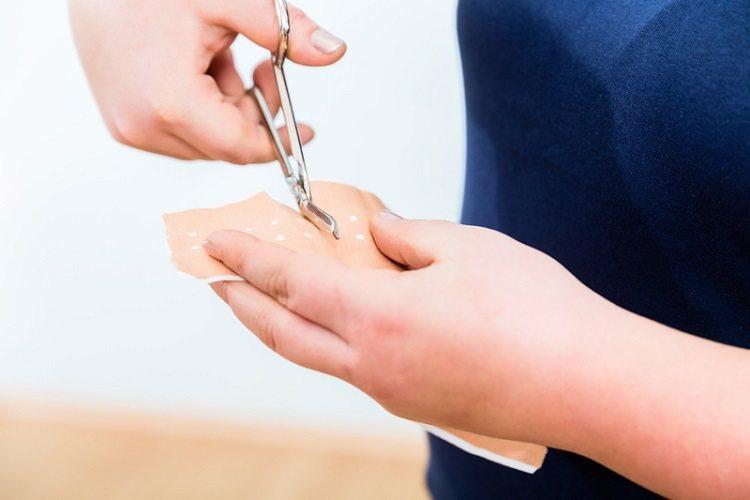 痠痛貼布貼太多會傷肝腎? 沒嚇唬你!有這些使用習慣要注意