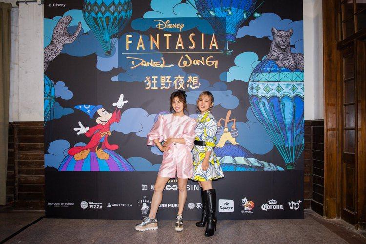 鐵肺歌手李佳薇(右)和妹妹李佳歡現身Daniel Wong大秀。圖/Daniel...