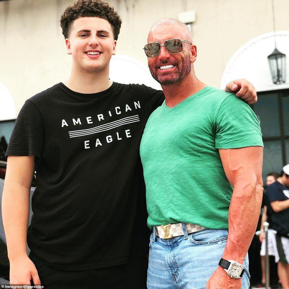 蓋吉的父親提姆(圖右)是美國達拉斯的私募股權公司「Cross Equities」...
