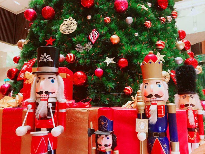 香格里拉台南遠東國際大飯店今晚點亮「童話耶誕節」。圖/香格里拉台南遠東國際大飯店提供