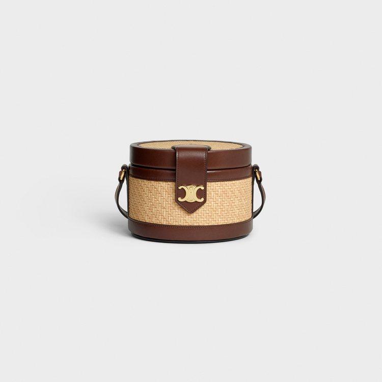 Tambour拉菲草編織圓盒包,97,000元。圖/CELINE BY HEDI...