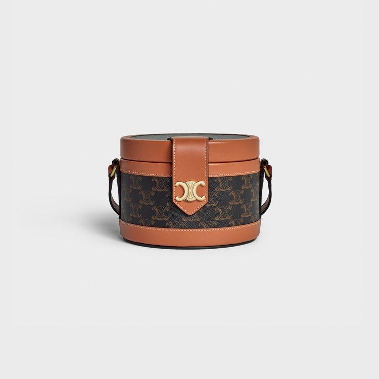 Tambour經典老花圓盒包,85,000元。圖/CELINE BY HEDI ...