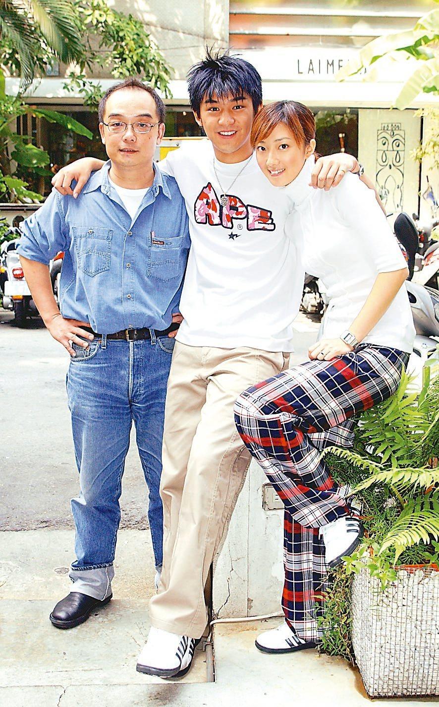 導演易智言(左)拍「藍色大門」讓陳柏霖、桂綸鎂結緣。圖/本報資料照