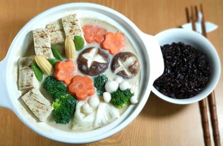 豆腐蔬食味噌豆乳鍋 圖/林芝蕙提供