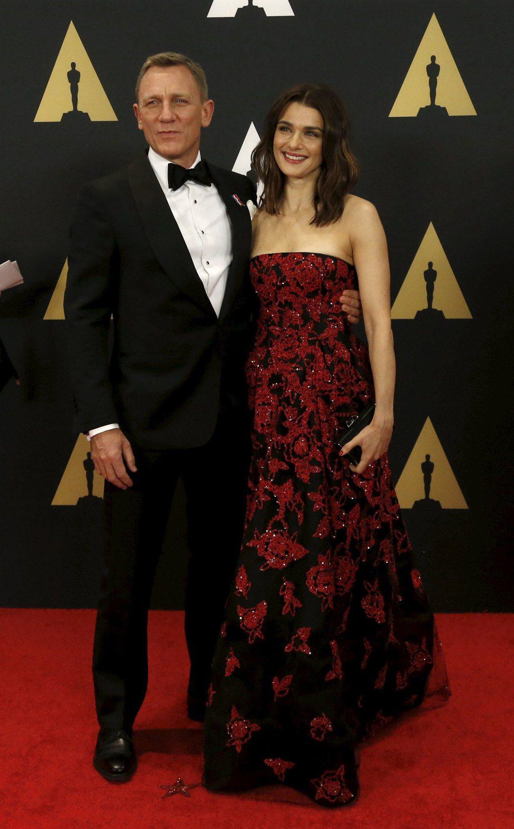 丹尼爾克雷格與瑞秋懷茲被傳婚姻危機,差一點就要分手。圖/路透資料照片