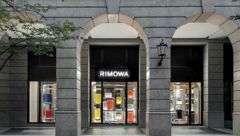 RIMOWA全新台北專門店進駐寶麗廣塲,佔地約21坪,經過一個月試營運,昨日正式開幕。圖/RIMOWA提供