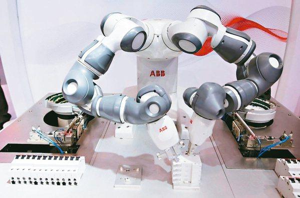 美中兩大強國正傾全力發展AI相關技術,未來五年合計將投入超過5,000億美元的研...