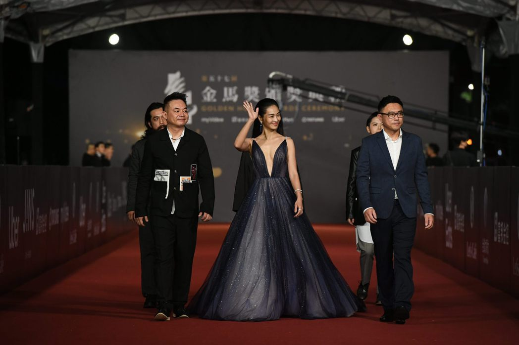 以電影《馗降:粽邪2》入圍最佳女配角的陳雪甄(中)。 圖/金馬執委會提供