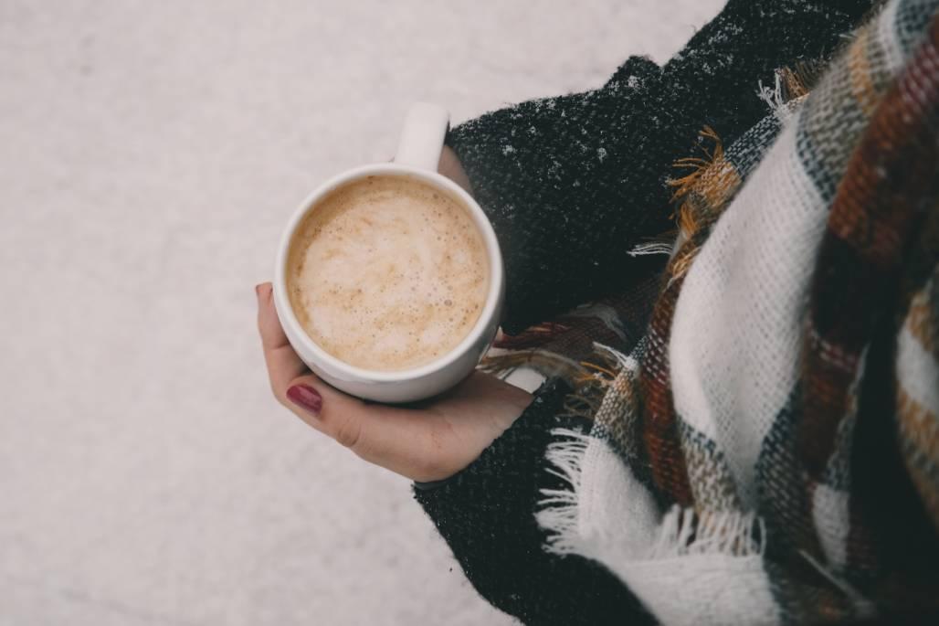 小雪,是二十四節氣之一,每年約從11月21日或11月22日起開始,氣溫較之前下降...