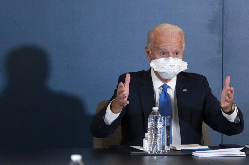 上海美國商會20日公布的會員調查顯示,美國企業認為,美國總統當選人拜登執政下,在中國經商將更樂觀,但半數以上企業不打算增加在中國的投資,1/3企業則擔憂員工的健康與人身安全。美聯社