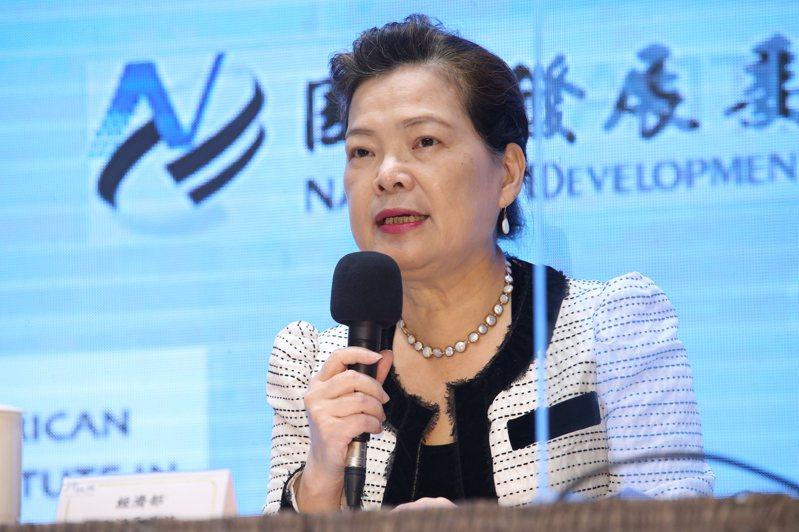 經濟部長王美花出席,行政院舉辦的「台美經濟繁榮夥伴對話」記者會。記者許正宏/攝影