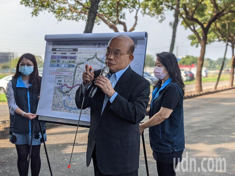 行政院長蘇貞昌(中)昨天南下屏東視察高雄屏東的第二快速公路。記者陳弘逸/攝影