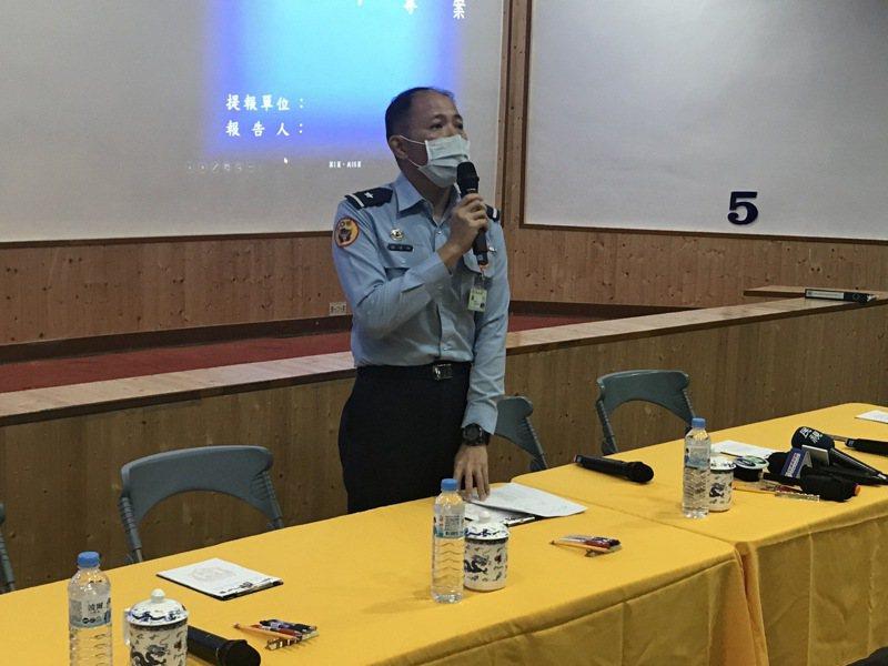 空軍第五聯隊聯隊長謝日升少將,稍晚將出面說明搜救進度。 報系資料照片