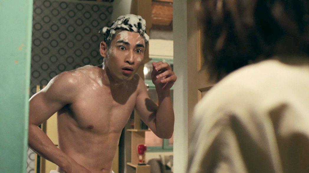章廣辰為戲裸體上陣。圖/TVBS提供