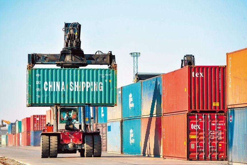 貨櫃需求暴增!龍頭股淨利增逾20倍 股價半年翻倍