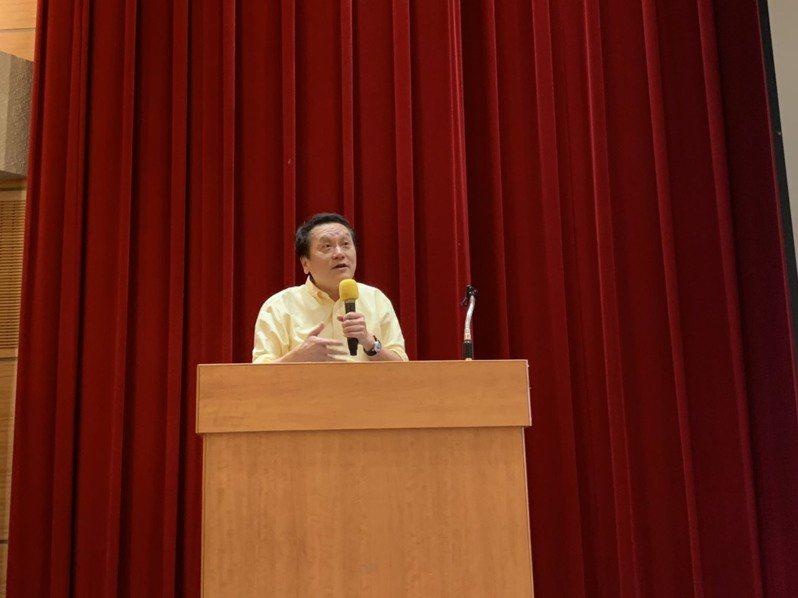 人社營創立至今已20周年,有「人文社會營之父」稱號的中研院院士朱敬一今下午受邀演講。記者趙宥寧/攝影