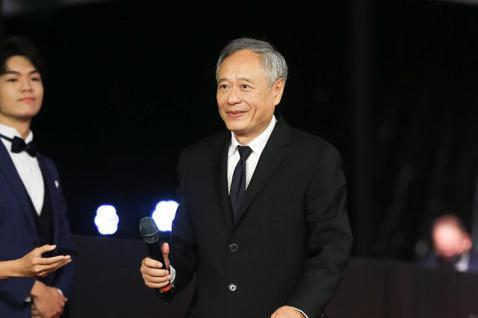 第57屆金馬頒獎典禮,主席李安走星光大道。