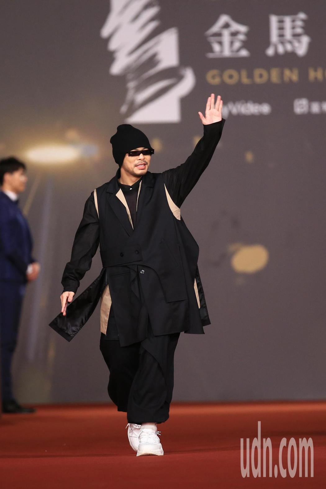 第57屆金馬頒獎典禮,黃明志走星光大道。記者林伯東/攝影