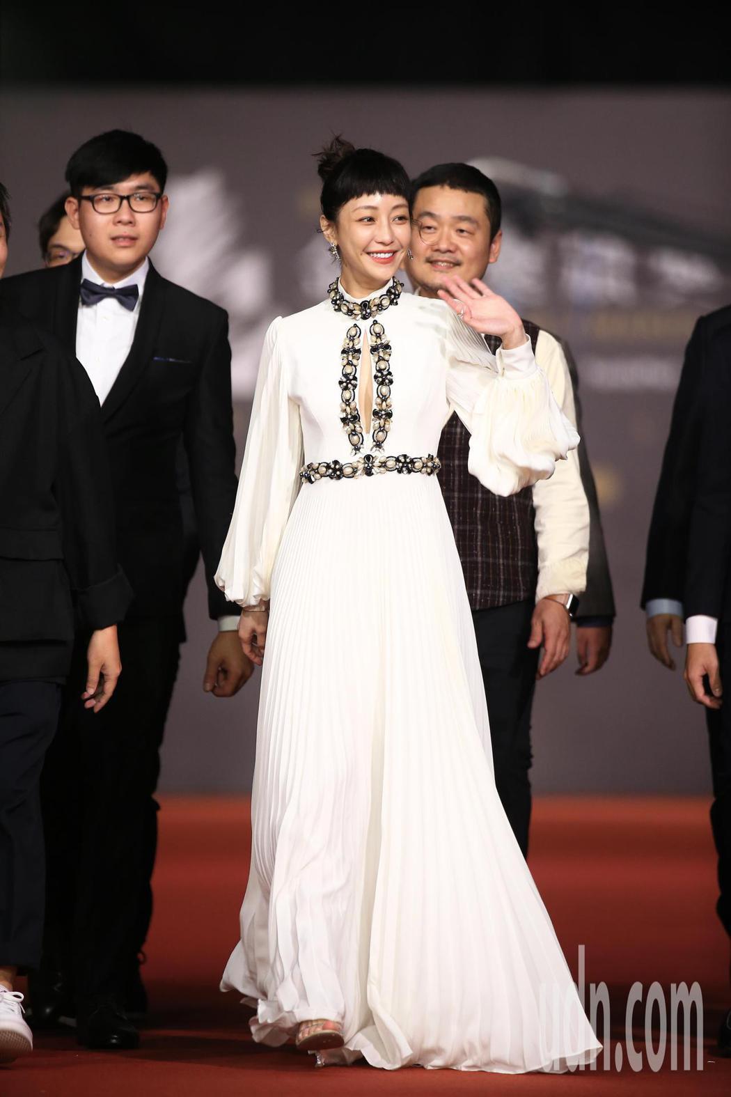 第57屆金馬頒獎典禮,謝欣穎走星光大道。記者林伯東/攝影