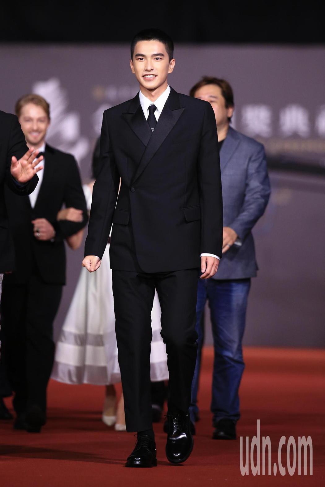 第57屆金馬頒獎典禮,曾敬驊走星光大道。記者林伯東/攝影