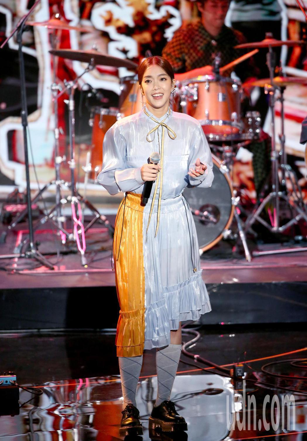 第57屆金馬獎頒獎典禮在國父紀念館舉行,李霈瑜與瘦瘦英雄演唱入圍最佳原創電影歌曲