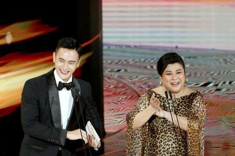 第57屆金馬獎頒獎典禮在國父紀念館舉行,劉冠廷與林美秀擔任頒獎人。