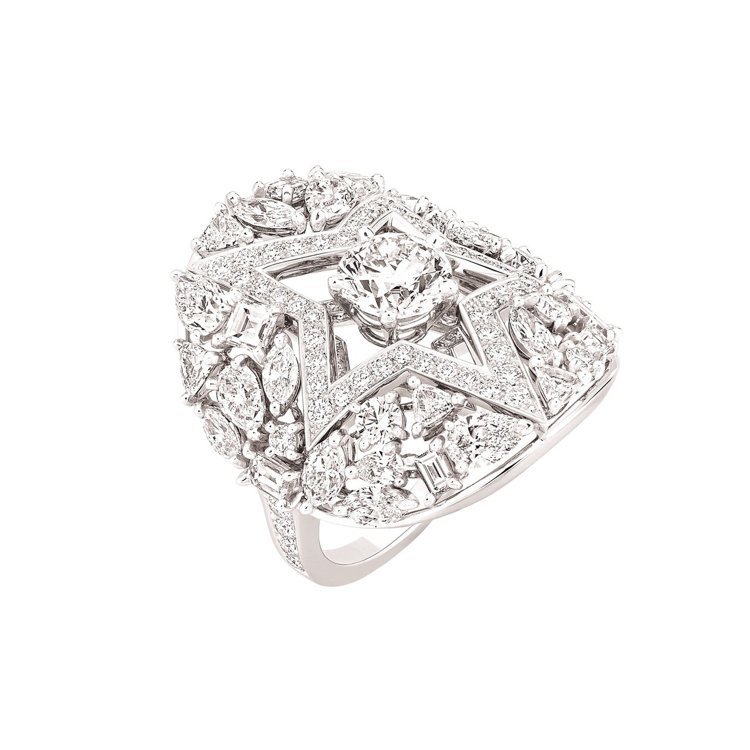 Étoile Filante 戒指,4,297,000元。圖/香奈兒提供