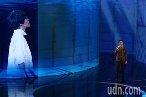 第57屆金馬獎頒獎典禮在國父紀念館舉行,陳昊森與盧廣仲隔空演唱入圍最佳原創電影歌曲的《刻在你心底的名字》。