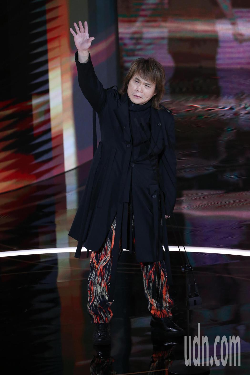 第57屆金馬獎頒獎典禮在國父紀念館舉行,伍佰擔任頒獎人。記者季相儒/攝影