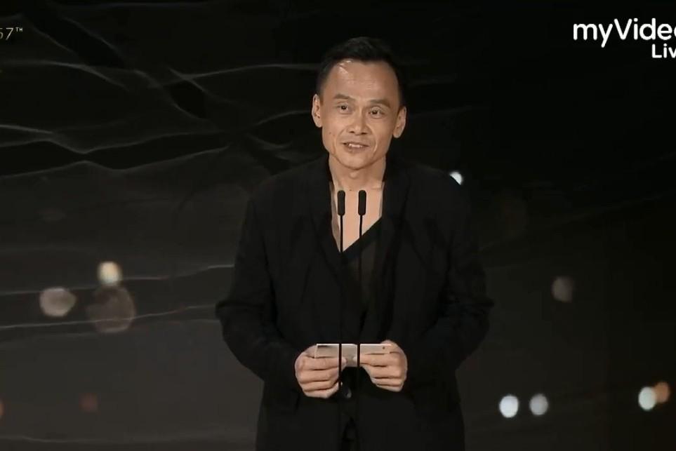 金馬57/「這個人總是默默付出」 陳以文感性頒導演獎