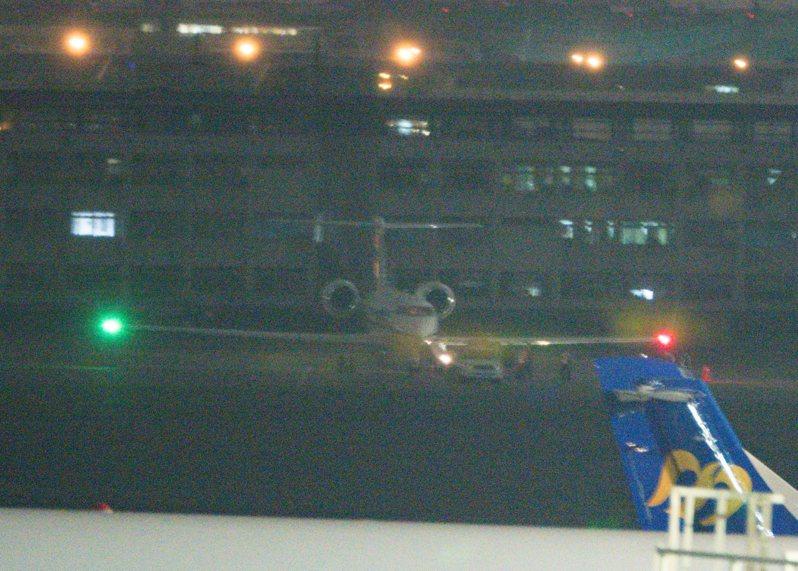 美國中央情報局(CIA)局長哈斯佩爾(Gina Haspel)乘坐灣流專機抵達松山機場。記者曾原信/攝影