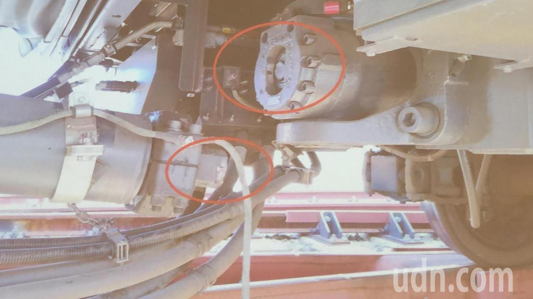台中捷運車廂昨發生連接器軸心斷裂,中捷今天起暫停試營運。圖/台中捷運公司提供