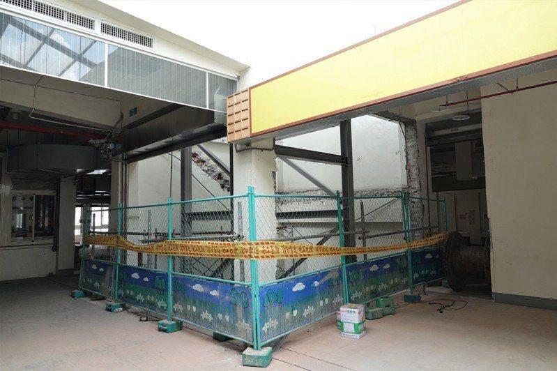 鹿港鎮第一市場展開耐震補強工程,提升市場耐震能力。記者林敬家/攝影