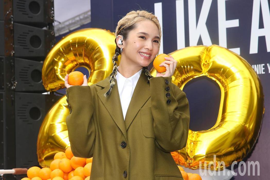 楊丞琳舉辦「LIKE A STAR」專輯簽唱會。記者林伯東/攝影